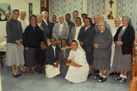 Sr. Maria Americo with the sisters present in the Provincial House
